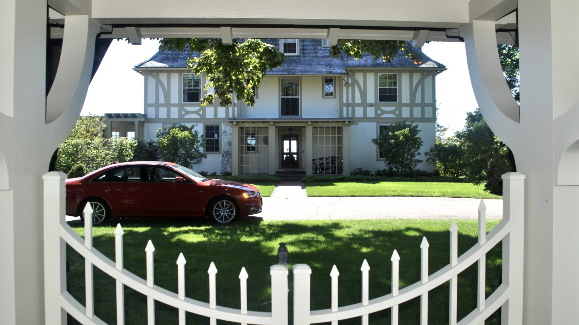 Lifestyle Blogger Jenny Meassick of Chocolate and Lace shares her trip to Watch Hill, Rhode Island USA