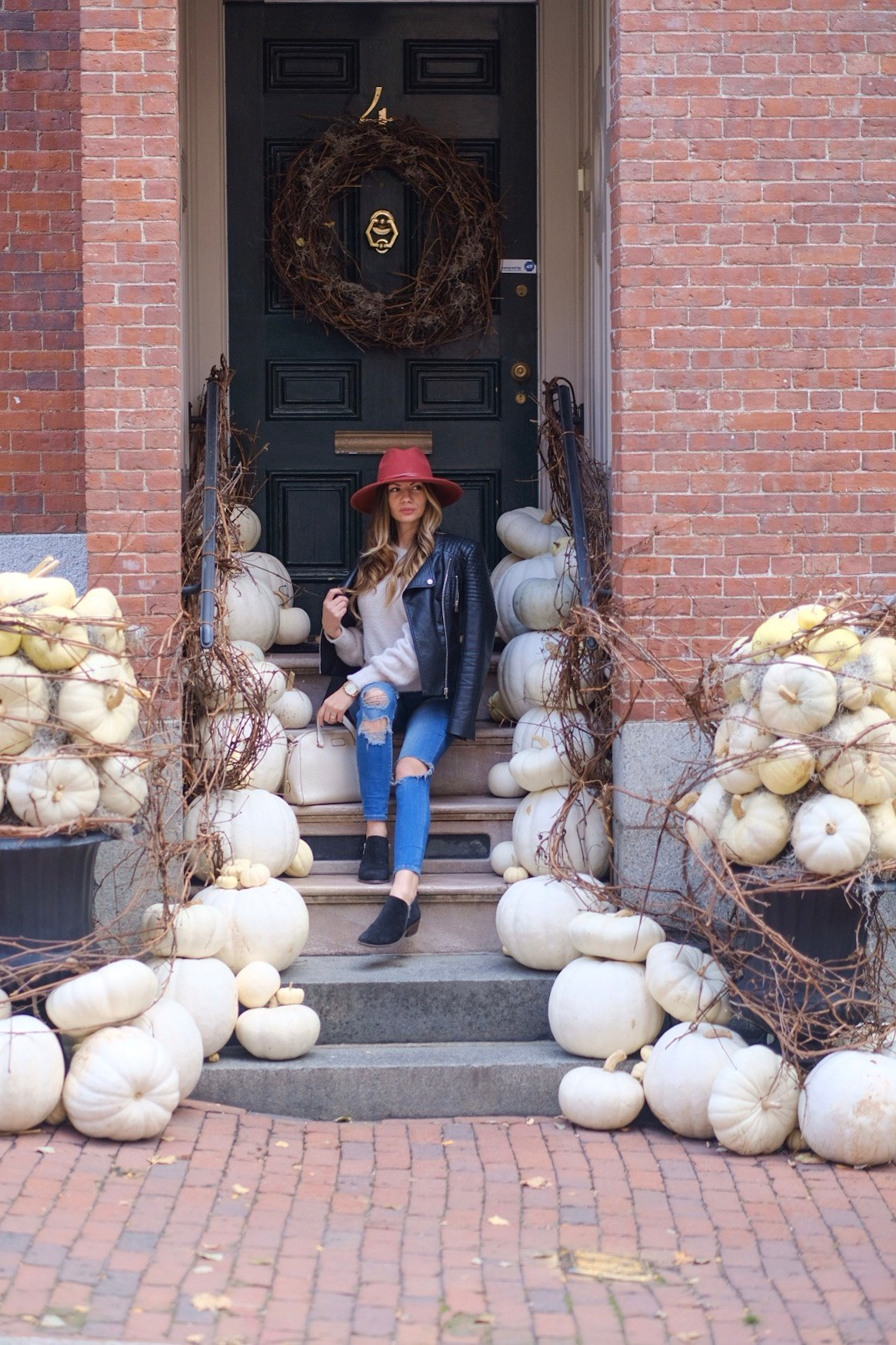 Lifestyle Blogger Chocolate & Lace shares her trip to Boston, MA in the fall